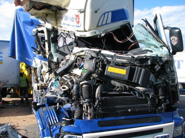 Möhlin/A3: Unfall zwischen zwei Lastwagen